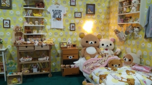 Insanely cute Rilakkuma room display!