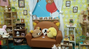 I want that Rilakkuma couch!